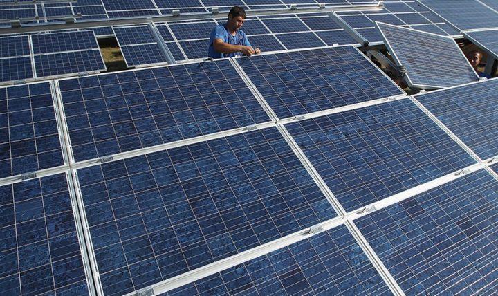 ظرفیت نصب شده نیروگاههای خورشیدی به ۳۰۰ گیگاوات رسید